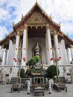 Tempel 68