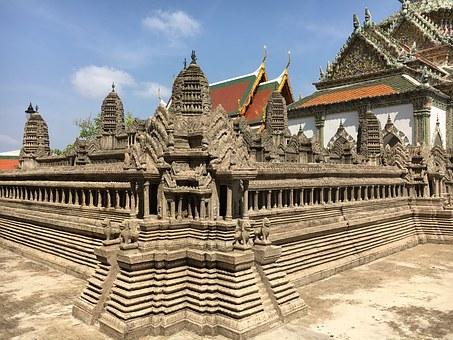 Tempel 7